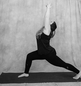 jessica-stec-yoga-009-bw