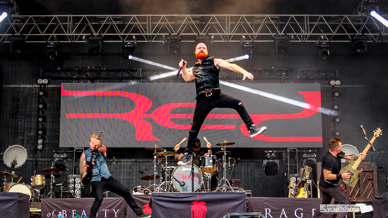 RED at KingsFest 2016 by Annette Holloway Photography