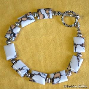 Mustang Turquoise Bead Bracelet, B0901-21