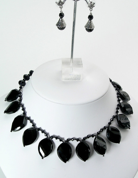 """#26612 <br>Crystal briolettes with gunmetal clasp and 4"""" extender chain.<br>Alice Bailey Designs signature tag.<br>Necklace 16 1/2"""" to 20"""" Limited Edition $125.00<br>Earrings with pewter and surgical steel posts $26.00"""
