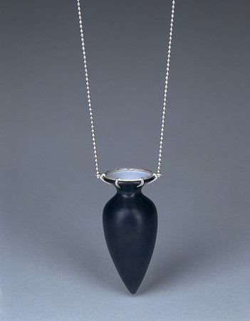 Amphora Series • Black & White