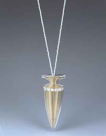 Amphora Series • Pearls