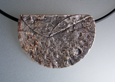 TWO FOLD TEXTURE PENDANT
