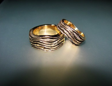 Wave Gold Wedding Rings