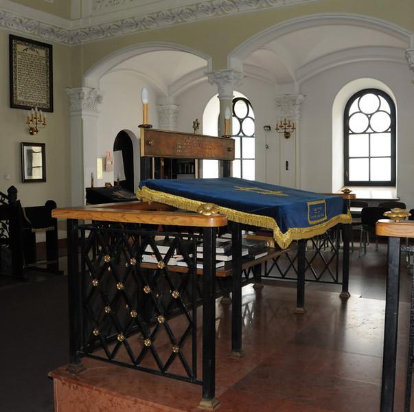 Warsaw Synagogue