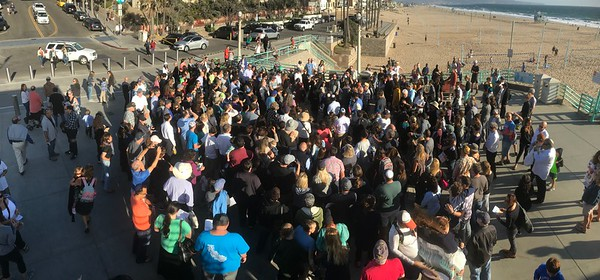 Manhattan Beach Pier 9/21/17 Tashlich service