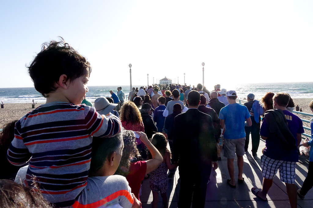 The South Bay Community celebrates Rosh Hashanah in Manhattan Beach