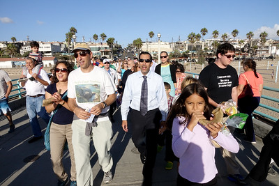 Tashlich on Manhattan Beach Pier