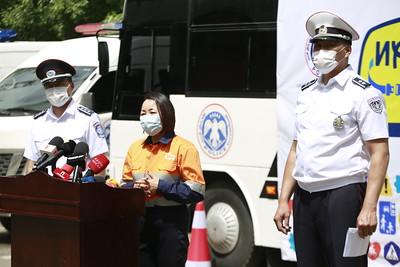 2021 оны зургадугаар сарын 24.Энэ оны эхний таван сарын байдлаар улсын хэмжээнд хөдөлгөөний аюулгүй байдал, тээврийн хэрэгслийн ашиглалтын журмын эсрэг гэмт хэрэг 247 бүртгэгджээ. Мөн зам тээврийн ослын улмаас 62 хүн нас барж, 207 хүн гэмтсэн байна. Ингэхдээ 98 хүүхэд гэмтэж, 10 хүүхэд нас барсан болохыг Цагдаагийн ерөнхий газраас мэдээллээ. ГЭРЭЛ ЗУРГИЙГ Г.САНЖААНОРОВ/MPA