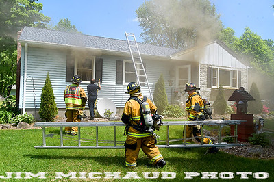 052620 Vernon House Fire 02 ft