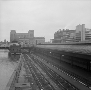 2016.020.99.016--jim neubauer 120 neg--CMStP&P--view of Union Station north side looking south--Chicago IL--c1952 0000