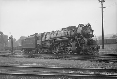 2016.020.98.057--jim neubauer 828 neg--TH&B--steam locomotive 2-8-4 201--Hamilton ON--1952 0816