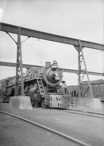 2016.020.99.030--jim neubauer 6x9 neg--GTW--steam locomotive 4-8-4 U-3-c 6330 at shops--Battle Creek MI--1950 0716