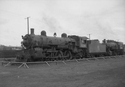 2016.020.99.204--jim neubauer 6x9 neg--GTW--steam locomotive 4-6-2 J-3-a 5036 (dead)--Battle Creek MI--1950 0716