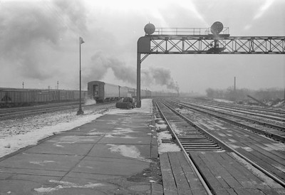 2016.020.98.111--jim neubauer 828 neg--NYC--passenger train Commodore Vanderbuilt departing with 14 cars and engine 4-6-4 J3a 5440--Englewood IL--1953 0118
