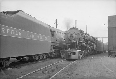 2016.020.98.187--jim neubauer 828 neg--N&W--steam locomotive 2-6-6-4 A 1226--Roanoke VA--no date