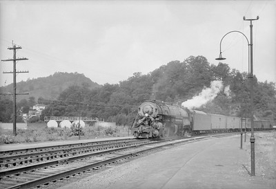 2016.020.98.184--jim neubauer 828 neg--N&W steam locomotive 2-8-8-2 Y6b 2194 on freight train action--Bluefield VA--no date