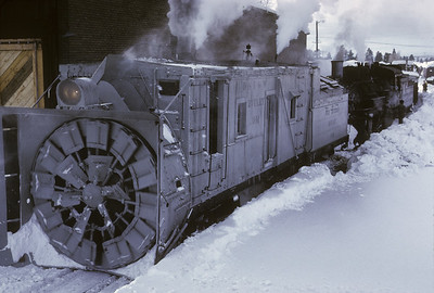 2016.020.51.05--neubauer 35mm kodachrome--C&TS--rotary snowplow OM fantrip preparation--Chama NM--1975 0200