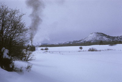2016.020.51.31--neubauer 35mm kodachrome--C&TS--rotary snowplow OM fantrip another runby--near Chama NM--1975 0200