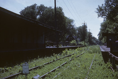 2016.020.13.1962-2--neubauer 35mm kodachrome--CA&E--abandoned station and track at 5th Ave--Maywood IL--1962 0600