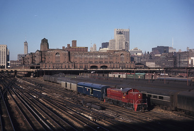 2016.020.05.09--jim neubauer 35mm ektachrome--GM&O--ALCO diesel locomotive 1106 switching passenger cars--Chicago IL--1968 1200