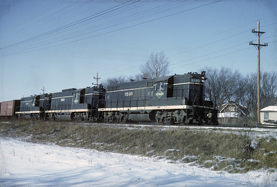 2016.020.04.16--jim neubauer 35mm kodachrome--ICRR--EMD diesel locomotive 9149 on freight train--Elmhurst IL--1966 0300