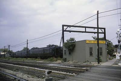 2016.020.04.11--jim neubauer 35mm kodachrome--ICRR--electric commuter MU cars on layover in yard at depot--Blue Island IL--1964 0800