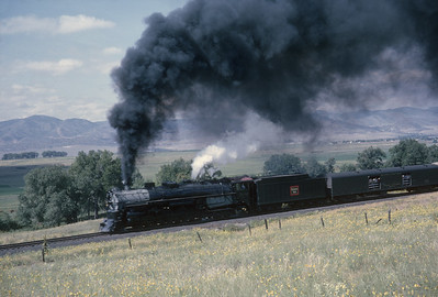 2016.020.54.20--jim neubauer 35mm kodachrome--CB&Q--NRHS Convention fantrip runby with steam locomotive 4-8-4 5632--location unknown--1963 0900