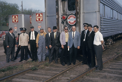 2016.020.07.18--jim neubauer 35mm ektachrome--AT&SF--crew pose for RR Club of Chicago Chico Chief passenger train fantrip--location unknown--1969 0400