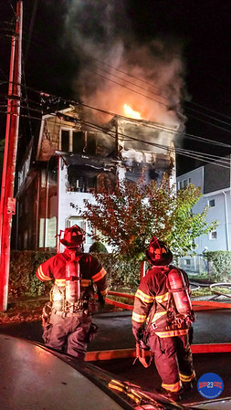 10-2-17 2nd Alarm 97 Irving St Hartford CT-60
