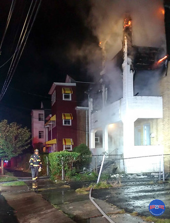 10-2-17 2nd Alarm 97 Irving St Hartford CT-7
