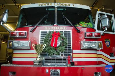 12-12-16 Htfd Holiday Lights Trophy-44