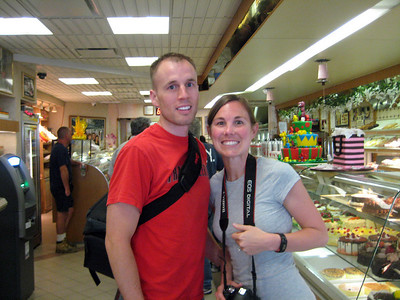 A stop in Hoboken NJ for a trip to Carlo's bakery
