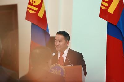 2021 оны тавдугаар сарын 14. Монгол Улсын Ерөнхийлөгч Х.Баттулга эрүүл мэндийн салбарынханд төрийн дээд одон, медаль гардууллаа.  ГЭРЭЛ ЗУРГИЙГ Д.ЗАНДАНБАТ/MPA
