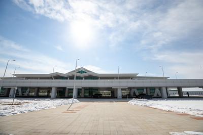 2021 оны гуравдугаар сарын 6. Ерөнхий сайд Л.Оюун-Эрдэнэ хөшгийн хөндий нисэх буудлын үйл ажиллагаатай танилцлаа.  ГЭРЭЛ ЗУРГИЙГ Б.БЯМБА-ОЧИР/MPA