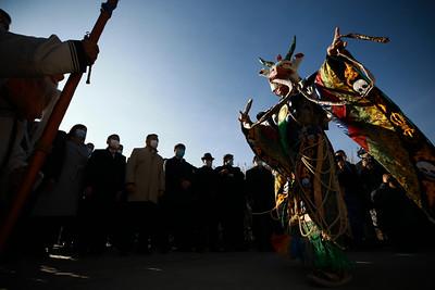 2020 оны аравдугаар сарын 29.  Нийслэлийн 381  жилийн ойн өдрийг тохиолдуулан Төрийн далбаа Нийслэлийн тугийг мандуулах ёслолын ажиллагаа өнөөдөр Сүхбаатарын талбайд боллоо. Ёслолын ажиллагаанд Нийслэлийн Иргэдийн Төлөөлөгчдийн Хурлын дарга Ж.Батбаясгалан, Нийслэлийн Засаг дарга бөгөөд Улаанбаатар хотын Захирагч Д.Сумъяабазар болон НИТХ-ын тэргүүлэгчид, төлөөлөгчид болон нийслэл хотын үе үеийн удирдлагууд байлцав.     Төрийн болон Нийслэлийн далбааг мандуулах ёслолын ажиллагаанд Төрийн хүндэт харуул, Зэвсэгт хүчний үлгэр жишээ үлээвэр найрал хөгжим, найрал дуучид бүрэн бүрэлдэхүүнээрээ оролцов. ГЭРЭЛ ЗУРГИЙГ Б.БЯМБА-ОЧИР/MPA