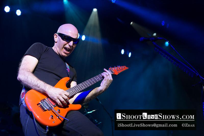 Joe Satriani, Paris 2013