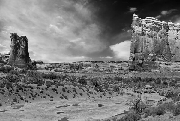 Something is brewing, Arches Nat Park, Utah