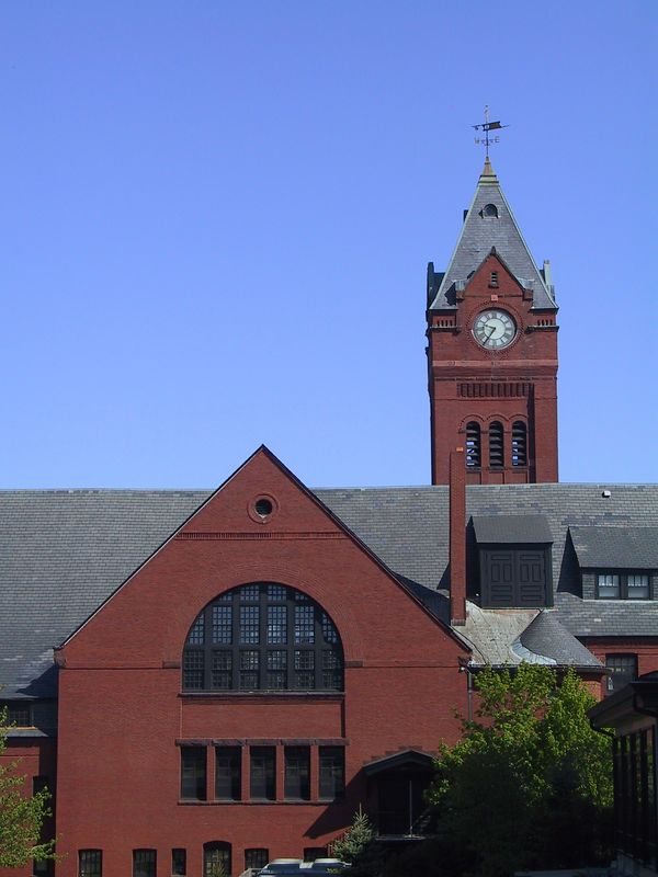 <b>Geometry of Winchester Town Hall</b>   (May 11, 2002, 08:35am)