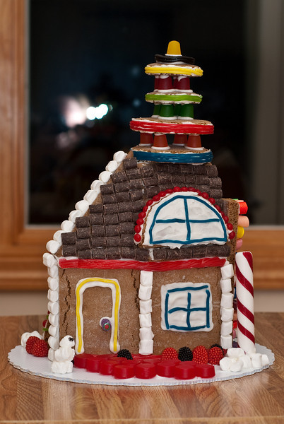 Gingerbread house right side view.  (Ab Initio, Joel's company, gave everyone a gingerbread house building kit.  Here is the house Daphne and Ben built.)