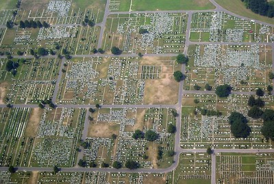 Cemetery in NY State from the air   (Aug 26, 2003, 11:46am)