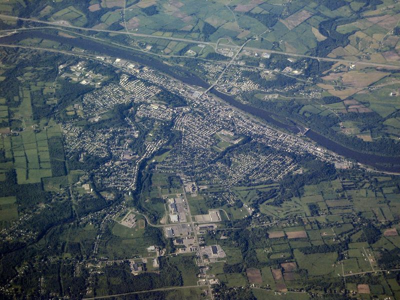<b>Passing over Amsterdam, New York</b>   (Jun 16, 2003, 07:48am)