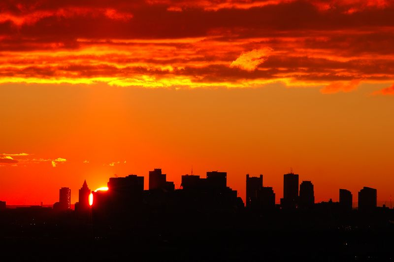 <b>Boston Sunrise - December 14th</b>   (Dec 14, 2004, 07:07am)  <p align=left>Also taken from Robins Farm in Arlington.</p>