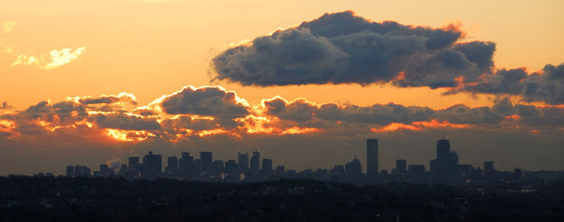 <b>Boston sunrise clouds</b>   (Mar 01, 2006, 06:24am)  <p align=left>My first sunrise picture of 2006 and my first using my new Nikon D200 camera.  This was taken from Prospect Hill Park in Waltham, MA.  I checked the radar before hiking to the overlook and there were no clouds on radar, but that was not the case in reality as you can see here.</p>
