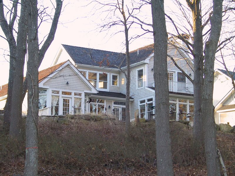 <b>The Meeks' house in Rhode Island</b>   (Feb 09, 2002, 04:43pm)
