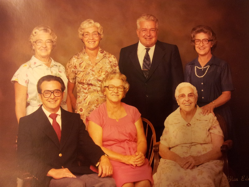 The Phillips family Backrow. Louise, Dorothy, Bud, Sue, Front Row. John, Pauline and Grandmother