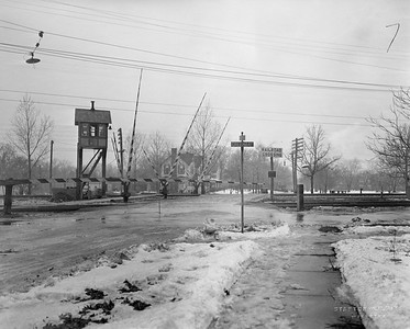 2021.003.PCNW-07--john s ingles 8x10 print [Stanton Wilhite]--C&NW--view of crossing at South Ave looking west--Glencoe IL--1929 1231