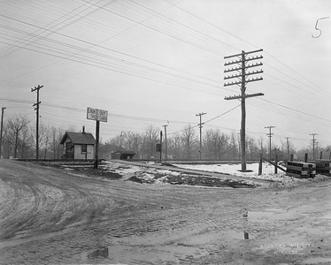 2021.003.PCNW-05--john s ingles 8x10 print [Stanton Wilhite]--C&NW--view of crossing at Harbor Street looking southeast--Glencoe IL--1929 1231