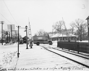 2021.003.PCNW-22--john s ingles 8x10 print [Stanton Wilhite]--C&NW--view of Kenilworth Ave crossing and depot looking northeast--Kenilworth IL--1930 0115