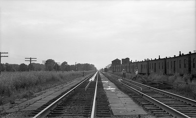 2021.003.NYC.0008--john s ingles PC neg--NYC--water pans view looking west--Chesterton IN--no date